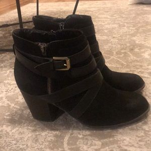Shoes - Women's black booties with buckles